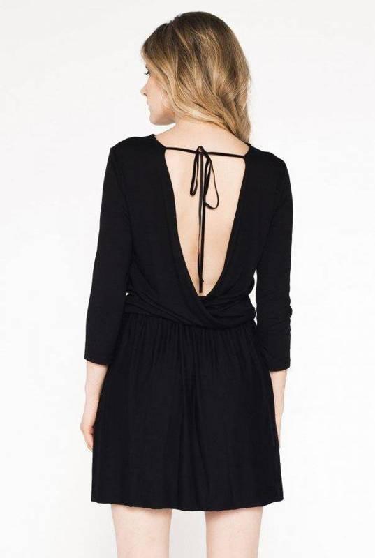 justine mała czarna sukienka rozkloszowana na co dzień z falbaną