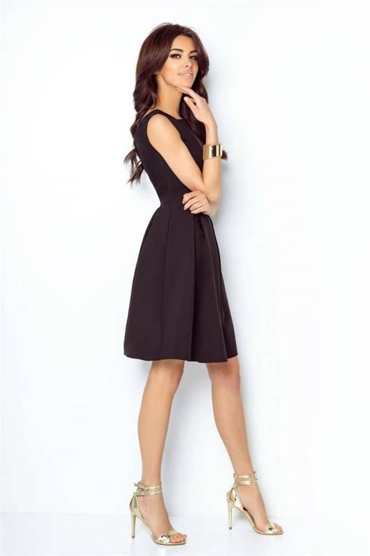 tailor mała czarna klasyczna sukienka rozkloszowana na karnawał