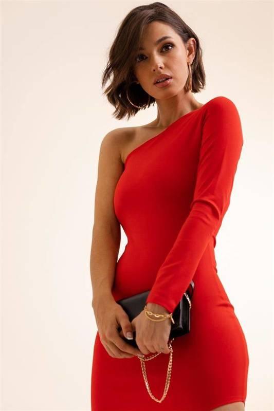 Dopasowana  serena krótka koktajlowa czerwona sukienka ołówkowa