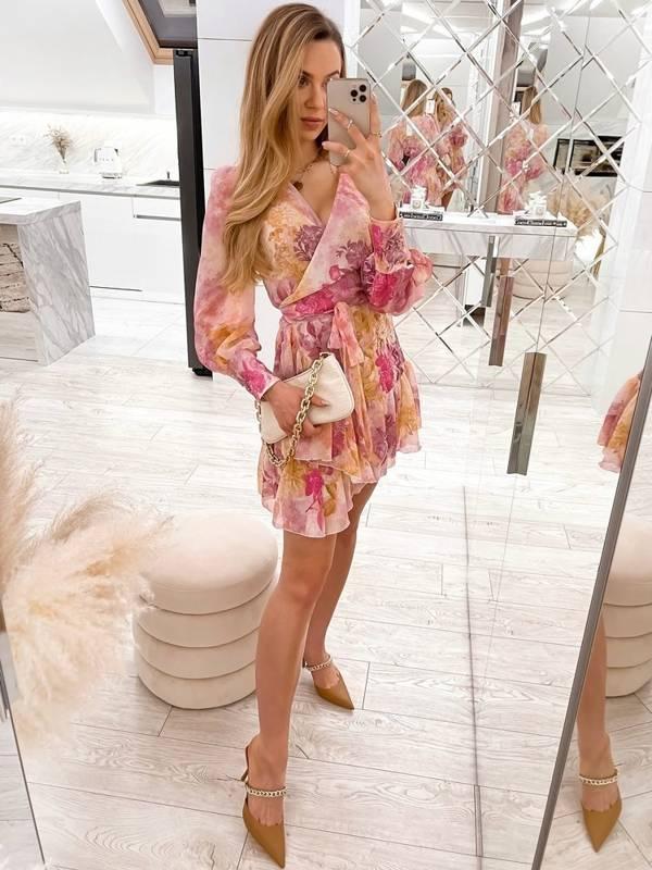 Sukienka Anna w kwiaty- pudrowa